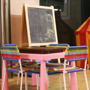 Tavolo e lavagna per bambini
