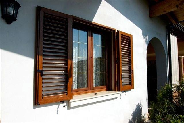 Serramenti in legno brescia - Finestre in legno gia pronte ...